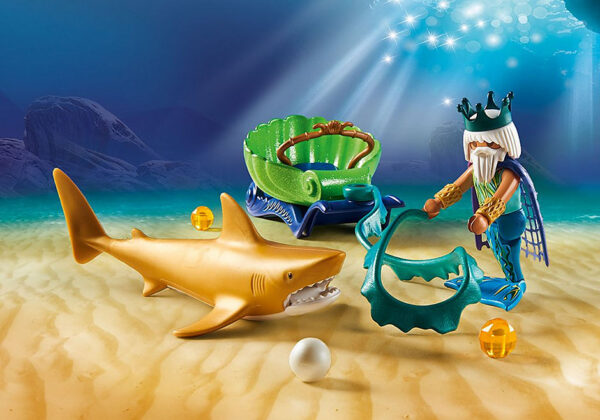 Βασιλιάς της Θάλασσας με άμαξα καρχαρία